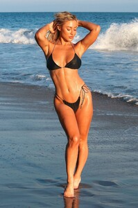 Stefanie-Gurzanski---Baby-G-in-a-bikini-in-Los-Angeles-43.jpg