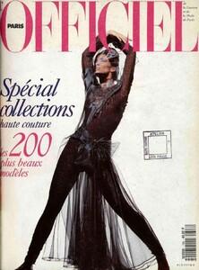 lofficiel-france-1991-august-00-fullsize.thumb.jpg.cca0c8da77423f3749664aa85fd8690d.jpg