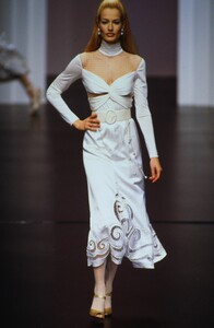 valentino-fw-1995.jpg