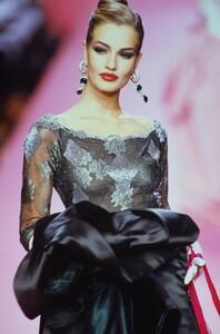 valentino-hc-fw-1991.jpg