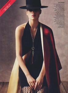 Packing-for-Paradise-Steven-Meisel-Vogue-US-June-2005-05.thumb.jpg.49329ec283187de9720b11ad1169cc6d.jpg